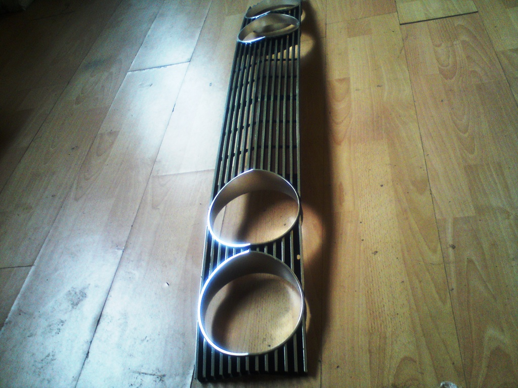 2000 MKII Grille