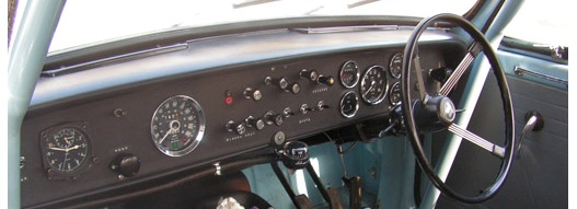 Horn push shown on the dash of a Works' Vitesse